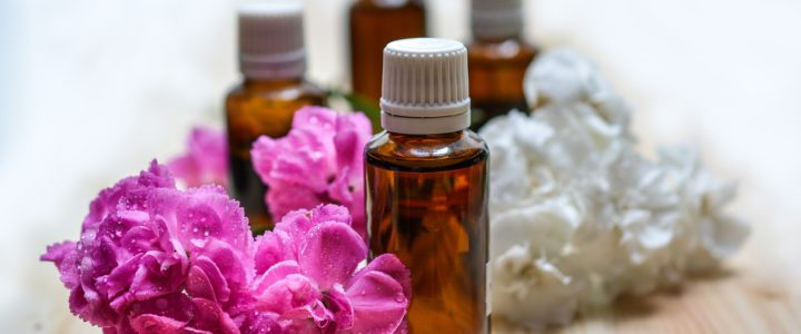 5 essential oils for the monsoon