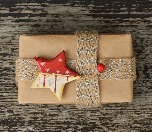 7 Creative and Budget-friendly Gift Wrap Ideas
